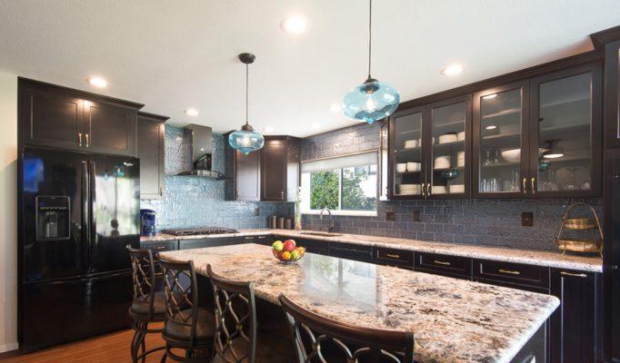 Unik-Interior-Designs-Simi-Valley-CA-Nika-Roback-Modern-Kitchen